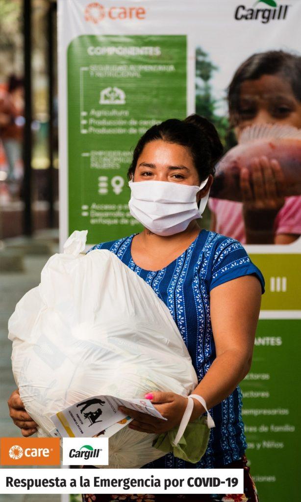 Cuadro de texto: En Nicaragua serán beneficiadas 700 familias (2,800 personas) integradas por madres/padres con niños estudiando en escuelas atendidas por el proyecto Nutriendo el Futuro y que se encuentran ubicadas en los municipios de Chinandega, León, Tipitapa, Masaya, Ticuantepe y Nindirí. Te invitamos a conocer el impacto positivo que Cargill y sus organizaciones socias estamos logrando en nuestros países dando clic a: https://www.cargill.com.hn/es/comunidad.